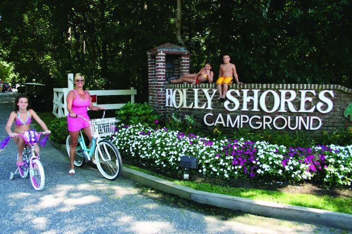 Holly shores Camping resort